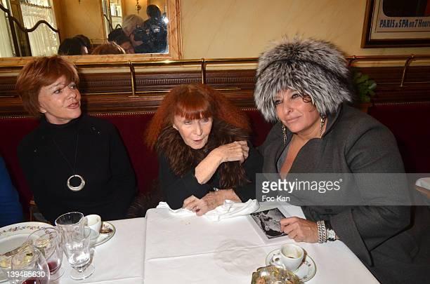 PARIS FRANCE FEBRUARY Jacqueline Chabridon Sonia Rykiel and Valerie Solvit attend the 'Prix De L'Academie Du Mardi Gras 2012' Culinary Awards at the...