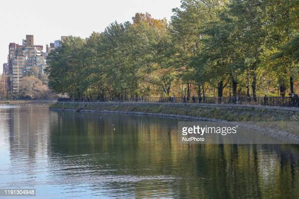 Jacqueline Kennedy Onassis water reservoir in Central Park, Manhattan in New York City. The Reservoir in NY covers 106 acres and holds over 1 000,000...
