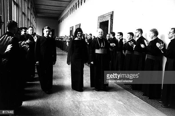 Jacqueline Kennedy visits the Vatican March 3 1962 with Pope XXIII