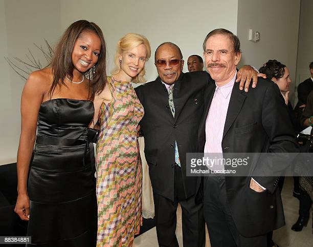 Jacqueline Page Mary Max Music Mogul Quincy Jones and artist Peter Max attend the Duke Of Edinburgh's Award Luncheon hosted by Carte Blanche...