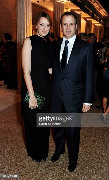 Jacqueline Sackler and Mortimer Sackler attend a donors dinner hosted by Michael Bloomberg Graydon Carter to celebrate the launch of the new...
