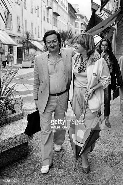 Jacques Attali French advisor walks with his wife Elisabeth Allain in a street of Nice on July 2 1981 Attali is advisor of French President Francois...