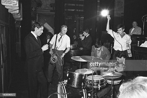 Jacques Brel His Farewell At The Olympia Après avoir annoncé sa décision d'abandonner sa carrière Jacques BREL donne sa dernière série de récitals à...