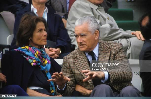 Jacques ChabanDelmas et son épouse Micheline à RolandGarros le 30 mai 1986 à Paris France