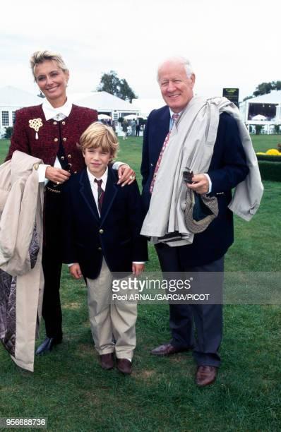 Jacques Chancel avec son épouse Martine et leur fils au Trophée Lancôme à SaintNomlaBretèche en septembre 1995 france
