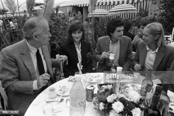 Jacques Chancel Evelyne Bouix et Claude lelouch lors du Trophée Lancôme à SaintNomlaBretèche le 2 octobre 1983 France