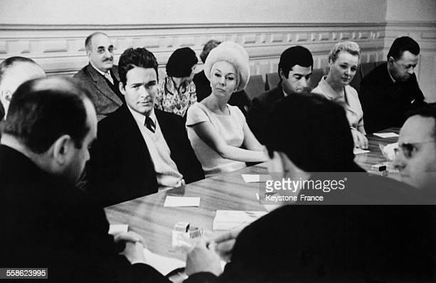 Jacques Charrier et Ludmilia Tcherina au centre culturel cinematographique lors de la semaine du film français le 8 mars 1965 a Moscou Russie