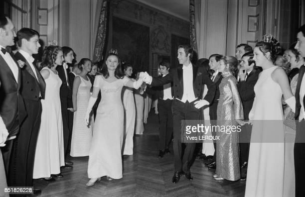 Jacques Chazot ouvre le bal de l'Opéra de Vienne le 5 mars 1970 à Paris France