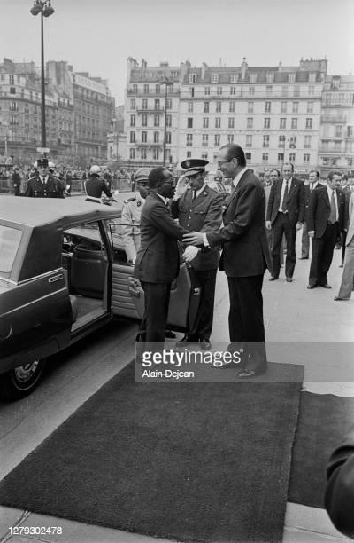 Jacques Chirac, maire de Paris, accueille Leopold Senghor à l'Hotel de Ville. Paris, 18 mai 1978.