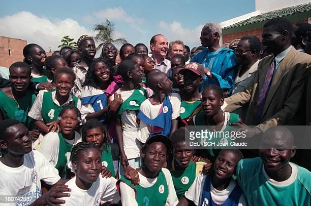 Jacques Chirac On Tour In Africa Step In Senegal. Dakar, Juillet 1995, lors de son voyage officiel en Afrique, le président français Jacques CHIRAC...