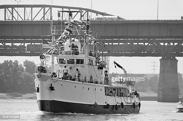 Jacques Cousteau's famous ship Calypso arrives in St Louis to film a documentary about the Mississippi River