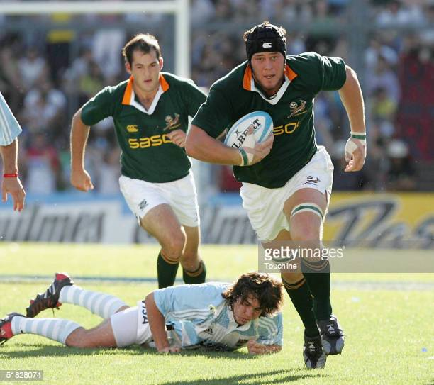 Jacques Cronje in action during the match between Argentina and the Springboks on December 4 2004 in Buenos Aires Argentina