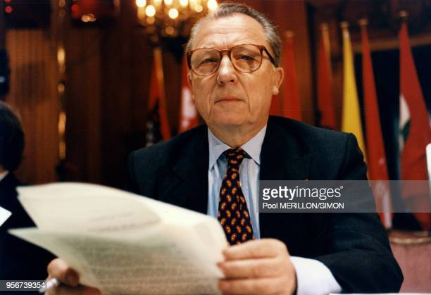 Jacques Delors lors du sommet international d'Essen le 9 décembre 1994 à Allemagne