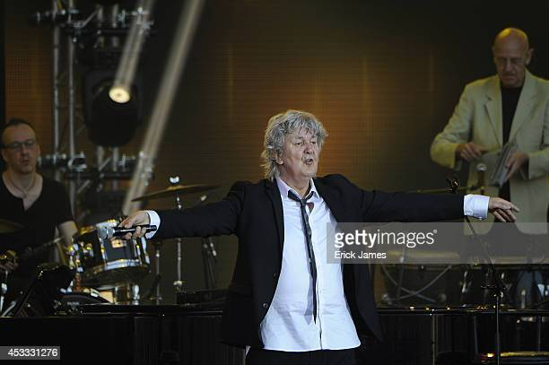 Jacques Higelin performs at the 30th Francofolies de La Rochelle Opening Night Concert 'Nuit Les Copains D'Abord' on July 10 2014 in La Rochelle...