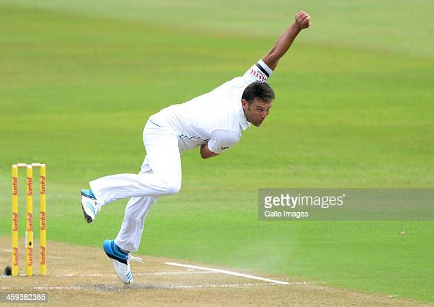 Jacques Kallis of South Africa bowls during day 1 of the 2nd Test match between South Africa and India at Sahara Stadium Kingsmead on December 26...