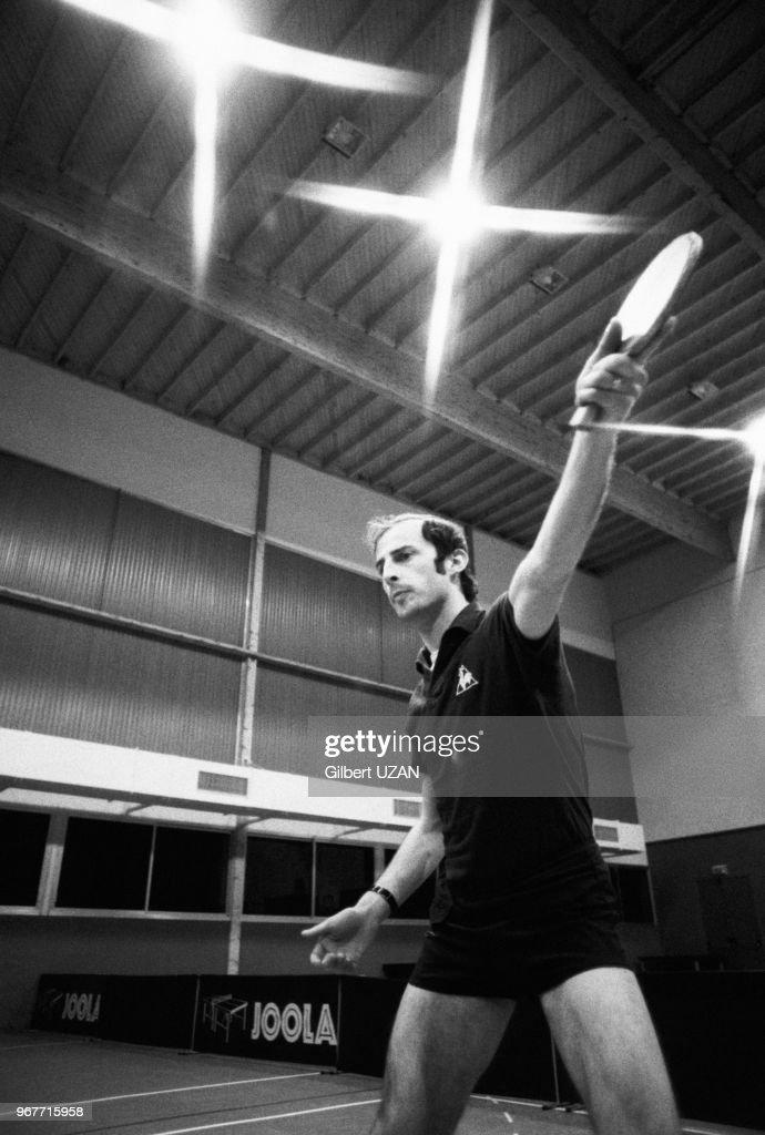 pretty nice arrives pick up Jacques Secrétin, champion de France de ping-pong lors d'un ...