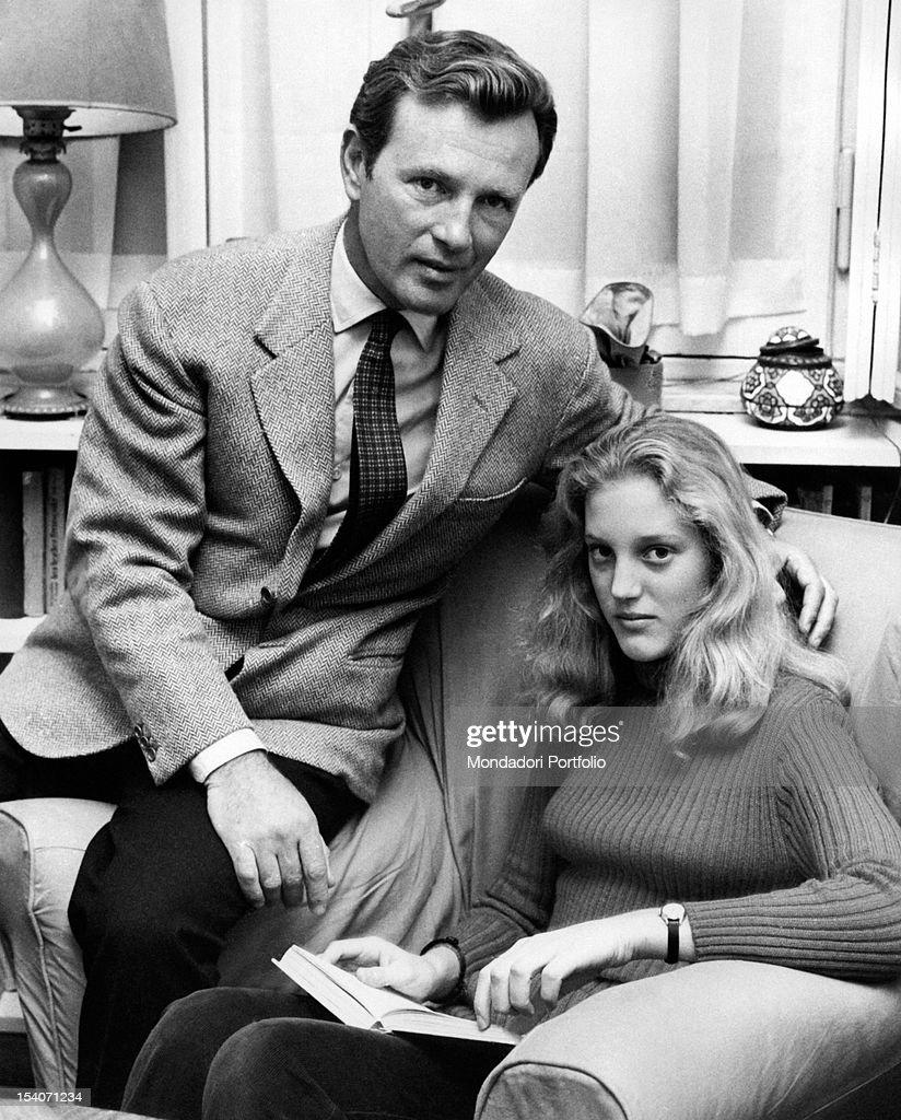 Jacques Sernas with his daughter Francesca : News Photo