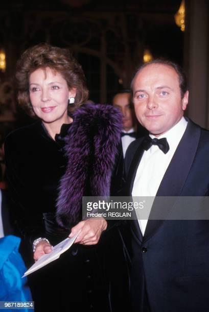 Jacques Toubon et son épouse arrivent à l'Hôpital américain pour les 75 ans de l'établissement le 21 janvier 1987 à NeuillysurSeine France