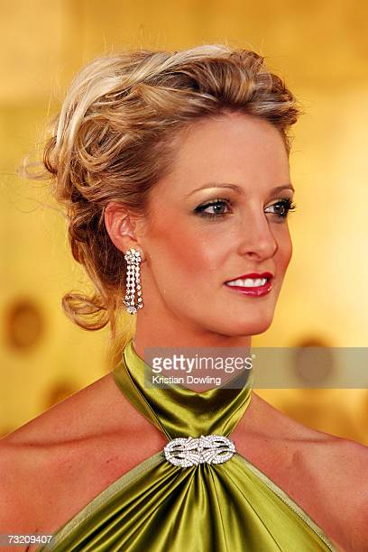 Jacqui Morris partner of cricketer Cameron White arrives at the 2007 Allan Border Medal at Crown Casino on February 5 2007 in Melbourne Australia