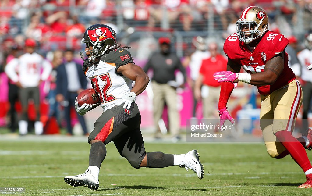 Tampa Bay Buccaneers v San Francisco 49ers : News Photo