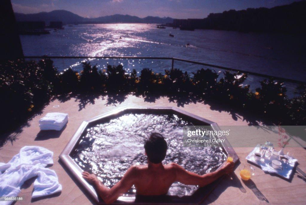 Jacuzzi Sur La Terrasse De L Hotel Regent A Hong Kong En Janvier