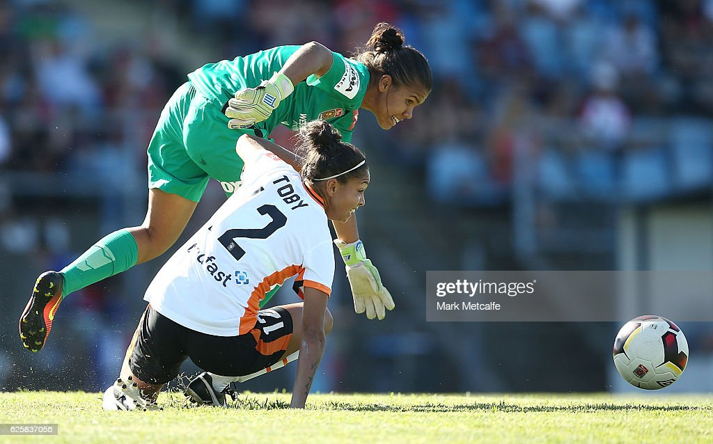 Jada Whyman of the Wanderers is dispossessed by Allira Toby of the Roar during the round four W-League match between the Western Sydney Wanderers and the Brisbane Roar at Marconi Stadium on November 26, 2016 in Sydney, Australia.