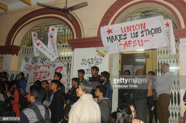 Jadavpur University Student Protest West Bengal Universities And Colleges Administration And Regulation Bill 2017 Stock Pictures Royalty Free Photos Images Getty Images