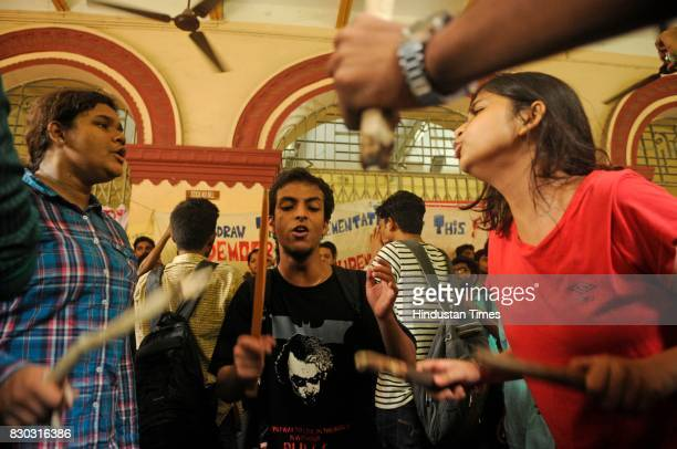 12 Jadavpur University Student Protest West Bengal Universities And Colleges Administration And Regulation Bill 2017 Photos And Premium High Res Pictures Getty Images