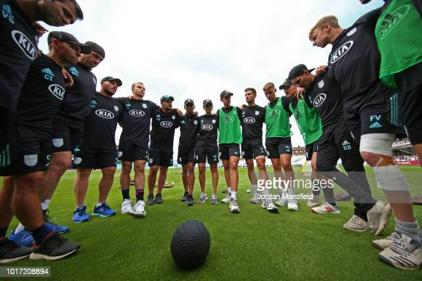 Jade Dernbach of Surrey gives a teamtalk prior to the start of the Vitality Blast match between Surrey and Hampshire at The Kia Oval on August 15...
