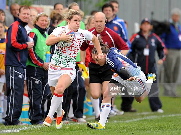 Jade Le Pesq of France chases Marlie Packer of England during the London Ladies Sevens match between England and France at Cardinal Vaughan on May 11...