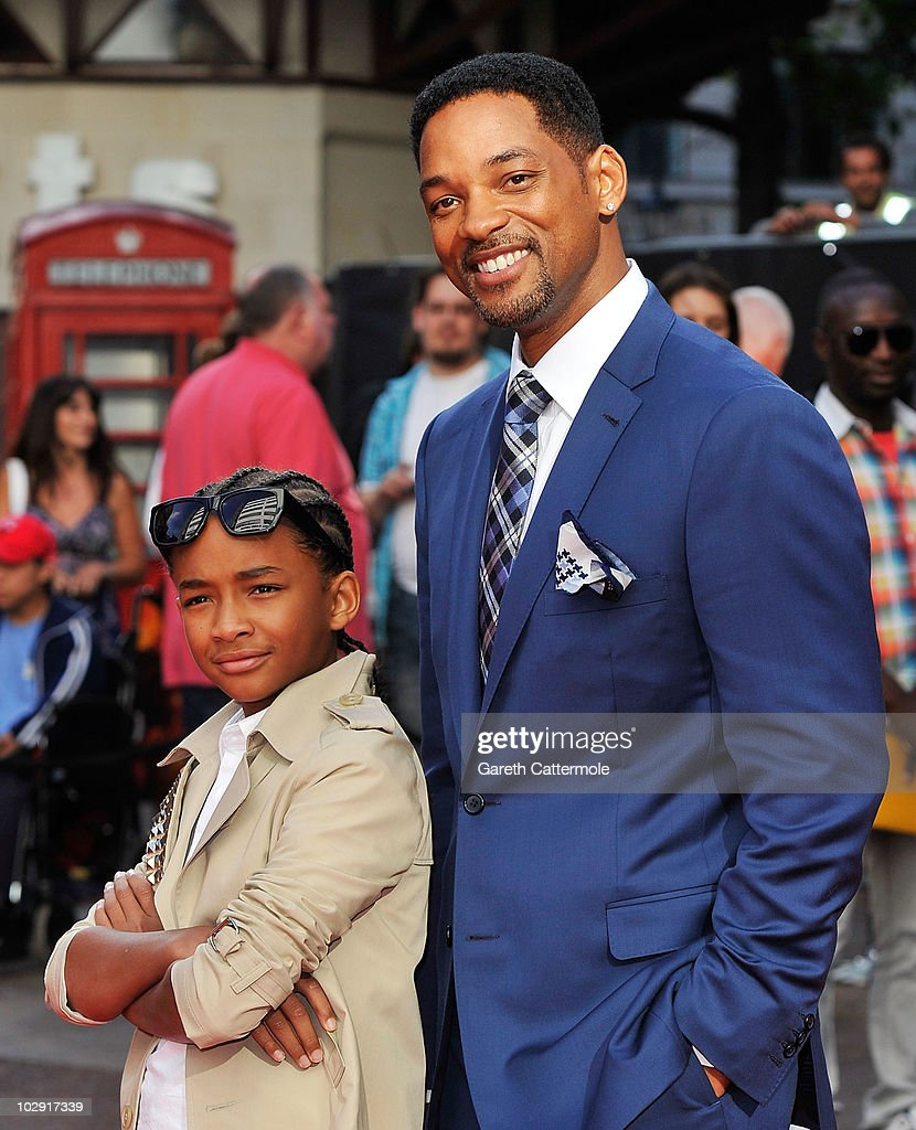 Jaden Smith (L) and father Will Smith attend the UK Film Premiere of The Karate Kid at Odeon Leicester Square on July 15, 2010 in London, England.