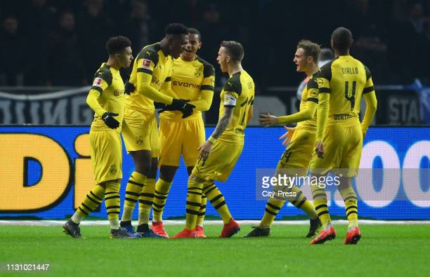 Jadon Sancho DanAxel Zagadou Manuel Akanji Marco Reus Jacob Bruun Larsen and Abdou Diallo of Borussia Dortmund celebrate after scoring the 22 during...