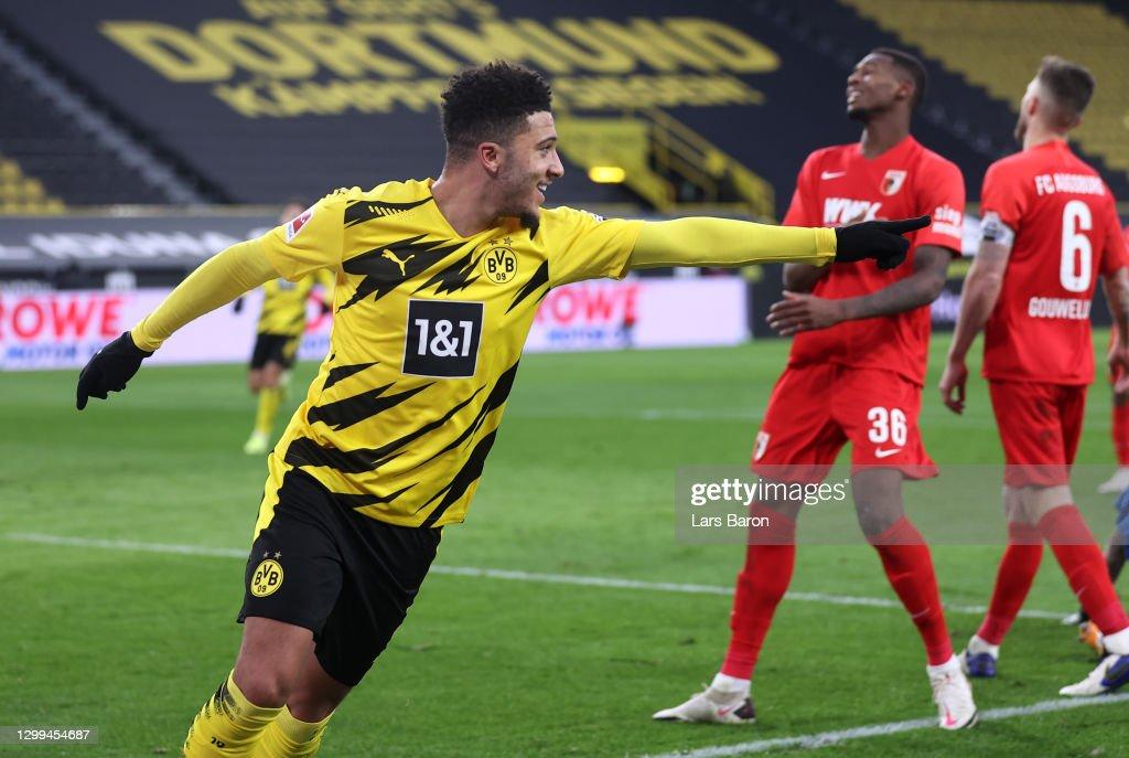 Borussia Dortmund v FC Augsburg - Bundesliga : ニュース写真