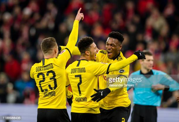 Jadon Sancho of Borussia Dortmund celebrates after scoring the goal to the 0:2 during the Bundesliga match between 1. FSV Mainz 05 and Borussia...