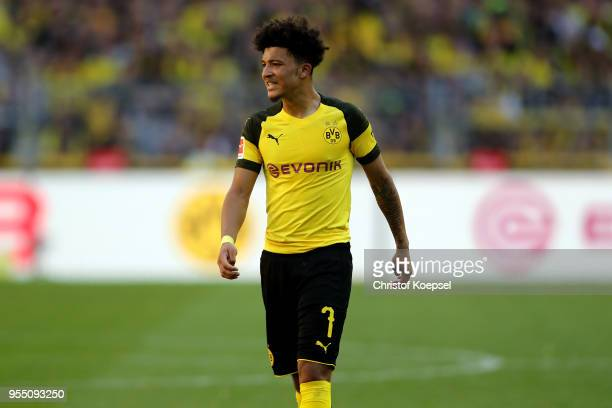 Jadon Sancho of Dortmund runs with the ball during the Bundesliga match between Borussia Dortmund and 1 FSV Mainz 05 at Signal Iduna Park on May 5...