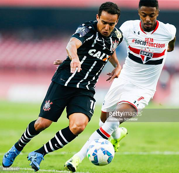 Jadson of Corinthians and Michel Bastos of Sao Paulo in action during the match between Sao Paulo and Corinthians for the Brazilian Series A 2015 at...