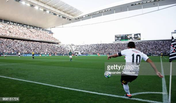 Jadson of Corinthians in action during the match against Palmeiras for the Brasileirao Series A 2018 at Arena Corinthians Stadium on 13 May 2018 in...