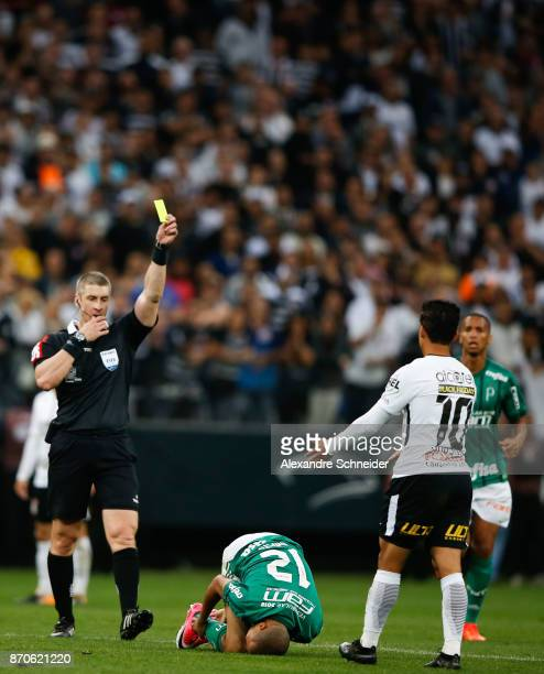 Jadson of Corinthians receives the yellow card during the match between Corinthians and Palmeiras for the Brasileirao Series A 2017 at Arena...