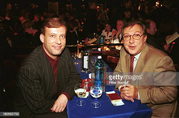 """Jaecki Schwarz mit Freund Hagen Henning , """"Gala zum 90. Geburtstag von Brigitte Mira"""" - """"Forever Young"""", Wintergarten/Berlin, Deutschland, Europa,..."""