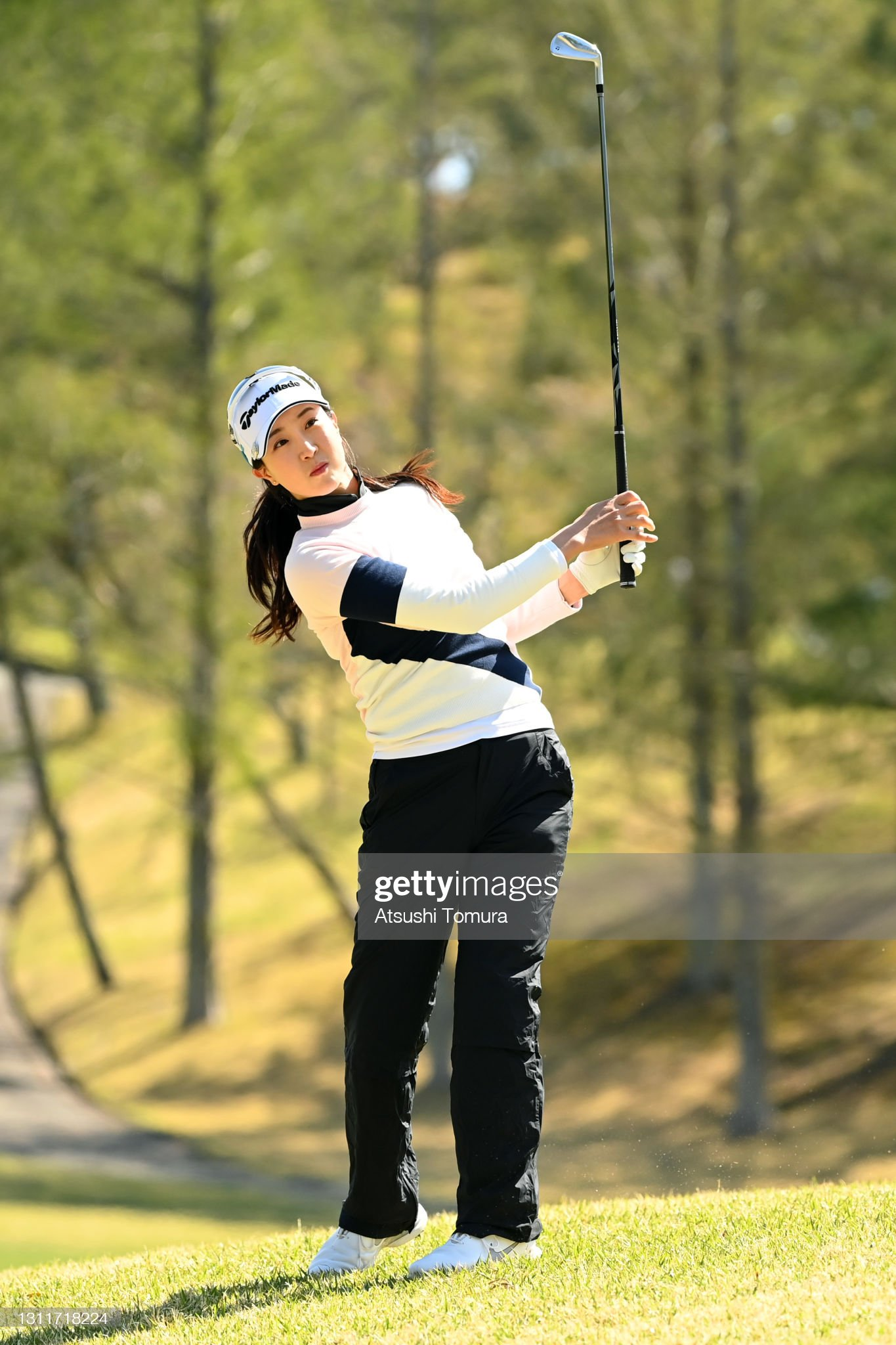 https://media.gettyimages.com/photos/jaeeun-chung-of-south-korea-hits-her-second-shot-on-the-5th-hole-the-picture-id1311718224?s=2048x2048
