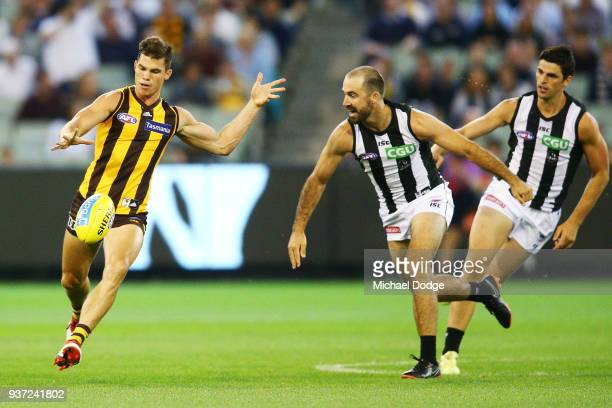 Jaeger O'Meara of the Hawks kicks the ball during the round one AFL match between the Hawthorn Hawks and the Collingwood Magpies at Melbourne Cricket...