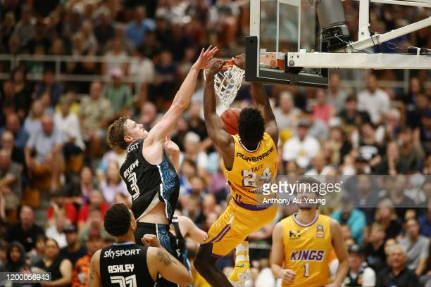 Jae'Sean Tate of the Kings with a dunk during the round 16 NBL match between the New Zealand Breakers and the Sydney Kings at TSB Stadium on January...