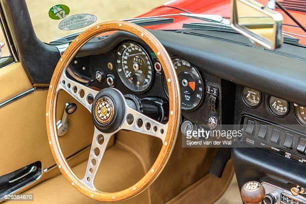 """jaguar e-type roadster classic british sports car interior - """"sjoerd van der wal"""" photos et images de collection"""