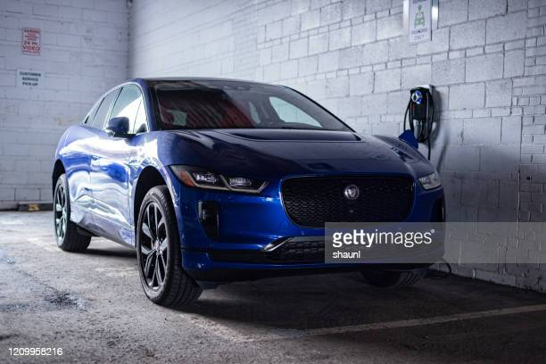jaguar i-pace ev400 suv 2020 - jaguar foto e immagini stock