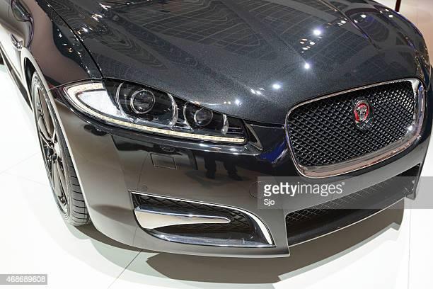 ジャガー xf 不動産車フロントエンドディテール - ジャガー車 ストックフォトと画像