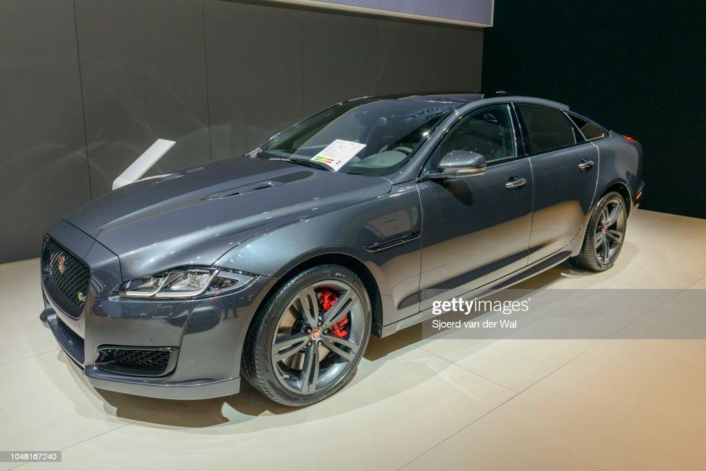 Jaguar Xj Series British Luxury Limousine Car Front Side View On