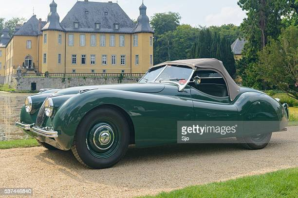 jaguar xk 120 classic sports car - concours stock pictures, royalty-free photos & images