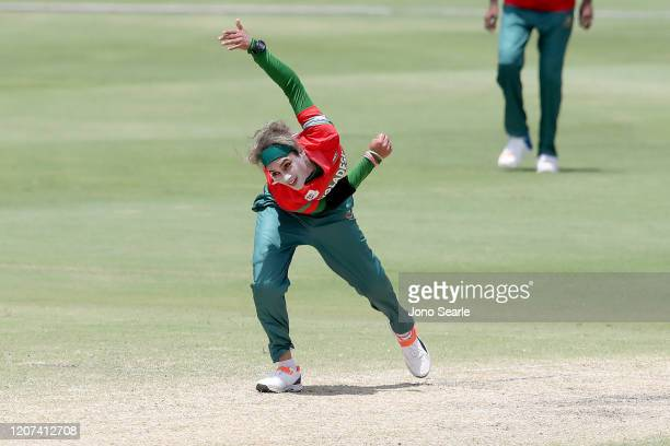 Jahanara Alam of Bangladesh bowls the ball during the ICC Women's T20 Cricket World Cup match between Bangladesh and Pakistan at Allan Border Field...
