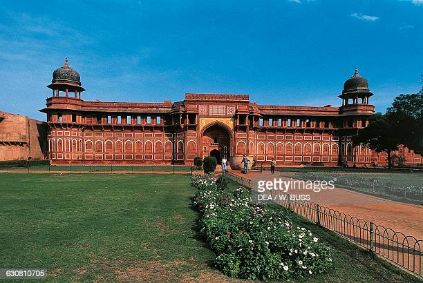 Jahangir palace 16th century in the Red Fort 11th17th century Agra Uttar Pradesh India