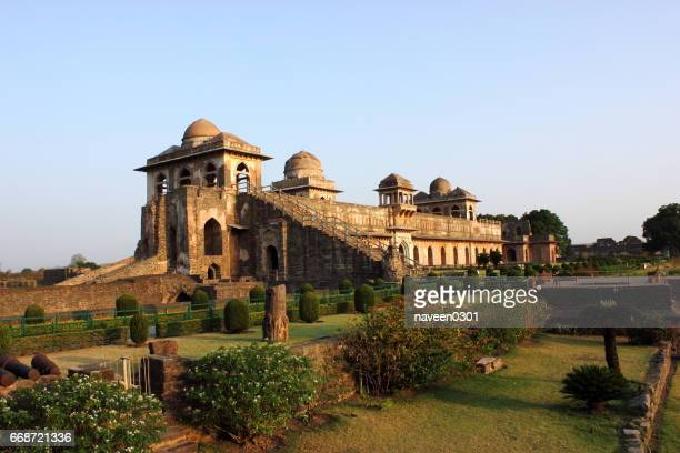 jahaz mahal/ship palace - madhya pradesh stock pictures, royalty-free photos & images